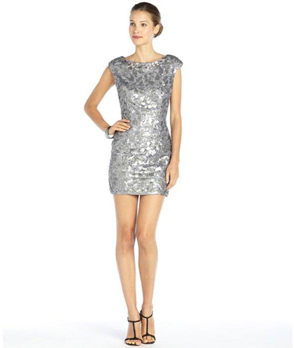 Платье с серебряных пайеток