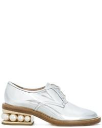 Женские серебряные кожаные туфли дерби от Nicholas Kirkwood