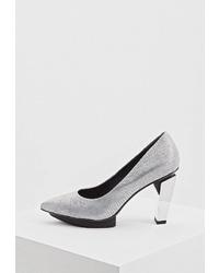 Серебряные кожаные туфли от United Nude