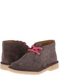 Серые ботинки дезерты