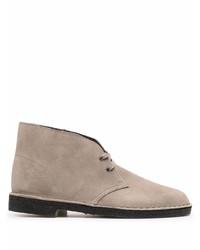 Серые замшевые ботинки дезерты от Clarks Originals