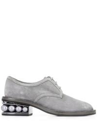 Женские серые замшевые туфли дерби от Nicholas Kirkwood