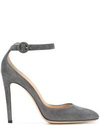 Серые замшевые туфли от Gianvito Rossi