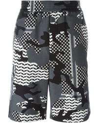 Серые шорты с камуфляжным принтом