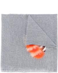 Женский серый вязаный шарф от Fendi