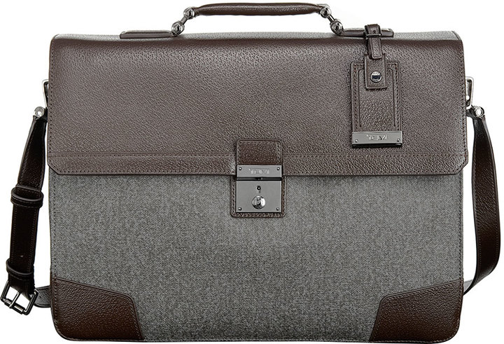 Мужской серый кожаный портфель от Tumi   Где купить и с чем носить 7b23c450e01