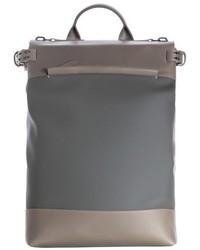 Серый кожаный рюкзак