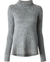 Серый пушистый свитер с круглым вырезом