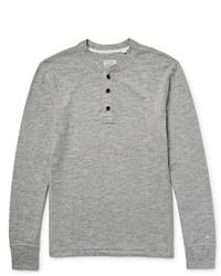 Серый свитер с горловиной на пуговицах