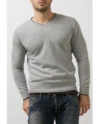 Мужской серый свитер с v-образным вырезом от Junberg