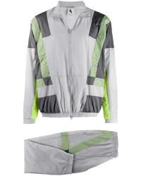 Мужской серый спортивный костюм от Nike
