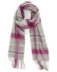 Серый шарф в шотландскую клетку