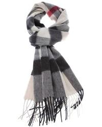 Женский серый шарф в шотландскую клетку от Burberry