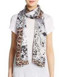 Женский серый шарф с леопардовым принтом от Roberto Cavalli