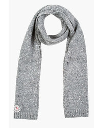 Мужской серый шарф от Moncler