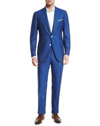 Синий костюм в вертикальную полоску