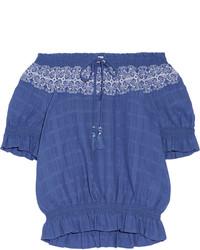 Синий топ с открытыми плечами с вышивкой от Tory Burch