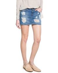 Синяя джинсовая рваная мини-юбка
