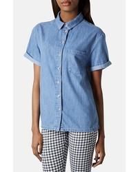 Синяя джинсовая рубашка с коротким рукавом