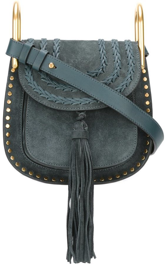 0ab3bb31afe8 Синяя замшевая сумка через плечо от Chloé, 101 896 руб.   farfetch ...