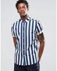 Синяя рубашка с коротким рукавом в вертикальную полоску