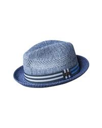 Синяя соломенная шляпа