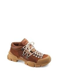 Табачные кроссовки