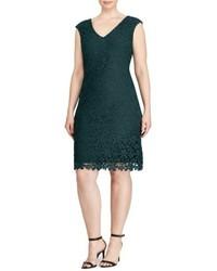 Темно-зеленое платье-футляр с цветочным принтом