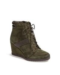 Темно-зеленые замшевые ботильоны на шнуровке