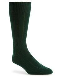 Темно-зеленые носки