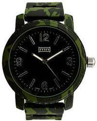 Темно-зеленые часы
