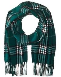 Темно-зеленый шарф в шотландскую клетку
