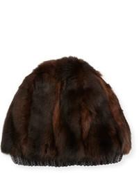 Темно-коричневая меховая шапка