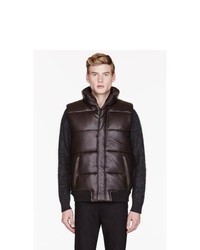 Мужская темно-коричневая стеганая куртка без рукавов от Marc by Marc Jacobs