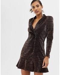 Темно-коричневое платье-смокинг