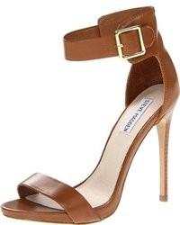 b78b2de97aa3 Купить темно-коричневые босоножек на каблуке - модные модели ...
