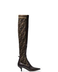 Темно-коричневые кожаные сапоги от Fendi