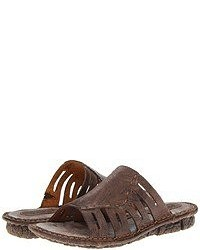 Темно-коричневые сандалии на плоской подошве
