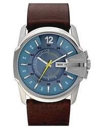 Темно-коричневые часы
