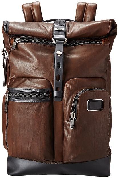Мужской темно-коричневый кожаный рюкзак от Tumi   Где купить и с чем ... 3ca6d04047e