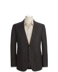 Темно-коричневый пиджак в вертикальную полоску