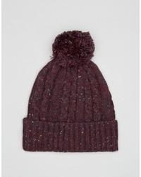 Темно-красная вязаная шапка