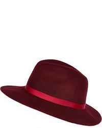 Темно-красная шерстяная шляпа