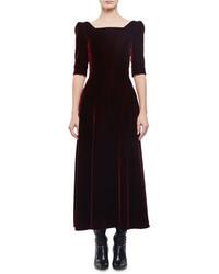 Темно-красное бархатное платье-миди
