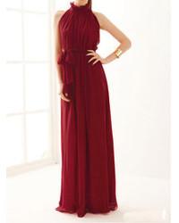 Темно-красное вечернее платье