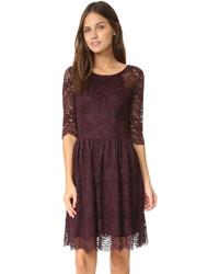Женское темно-красное кружевное платье с пышной юбкой от Cupcakes And Cashmere