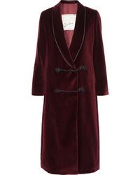 Темно-красное пальто дастер