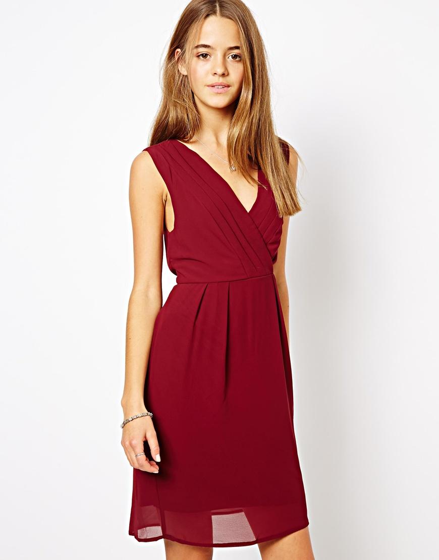 26c00d6ecf43fc8 Темно-красное повседневное платье со складками от Vila, 2 194 руб ...