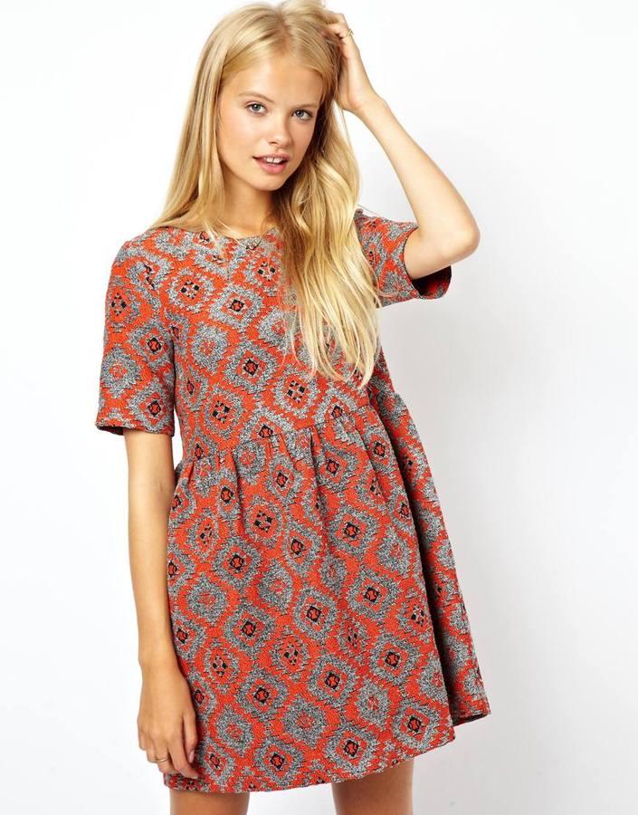 2854dd793cbc16d ... Темно-красное повседневное платье с геометрическим рисунком от Asos