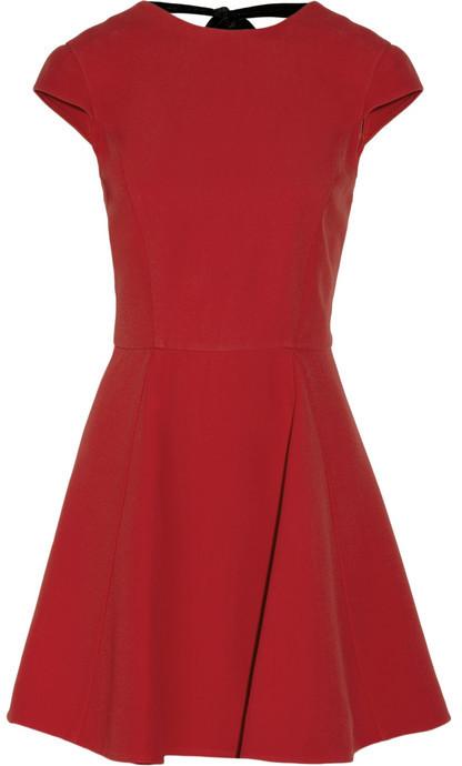 821dcfb2588e50f Темно-красное повседневное платье от Miu Miu, 129 389 руб.   NET-A ...